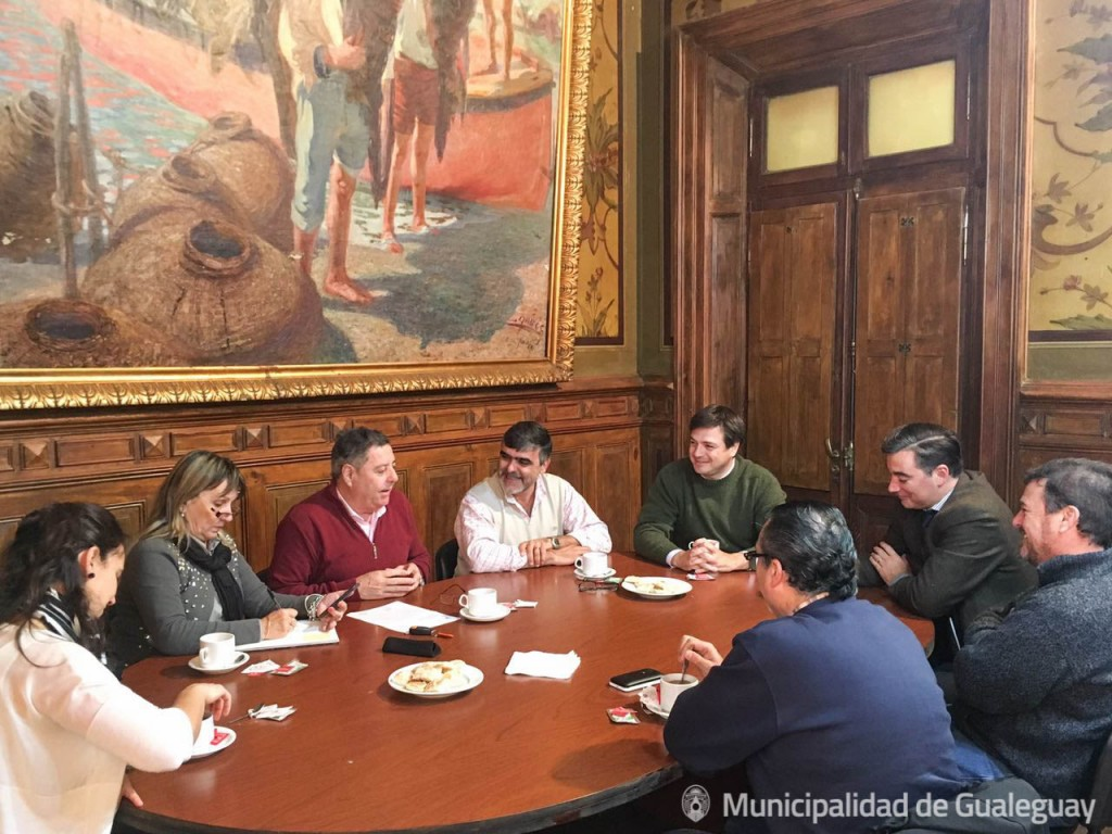 De Angelis visita el Municipio_