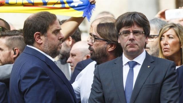 """Carles Puigdemont dijo que su gobierno """"actuará a finales de esta semana o comienzos de la próxima""""."""