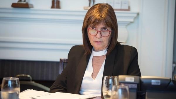Patricia-Bullrich-policias-ministerio-9