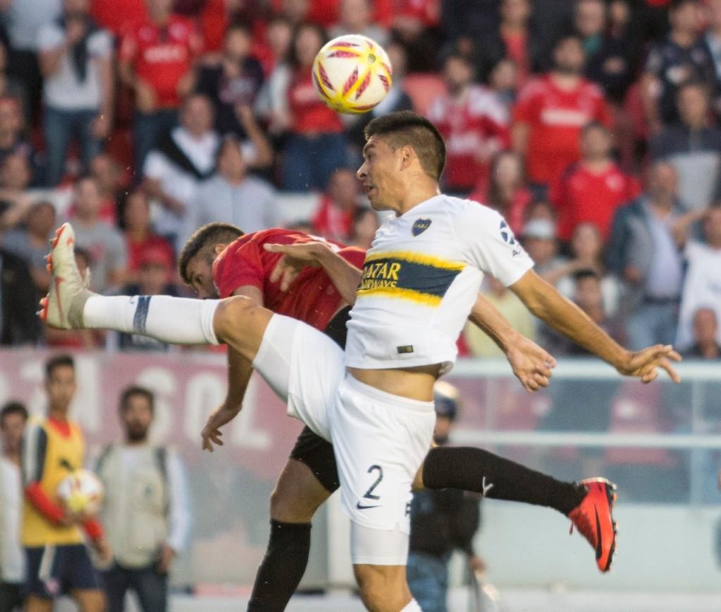 zzzznacd2 NOTICIAS ARGENTINAS BAIRES DICIEMBRE 2 Escena del partido que estan disputando Independiente y Boca. FOTO NA DANIEL VIDES zzzz