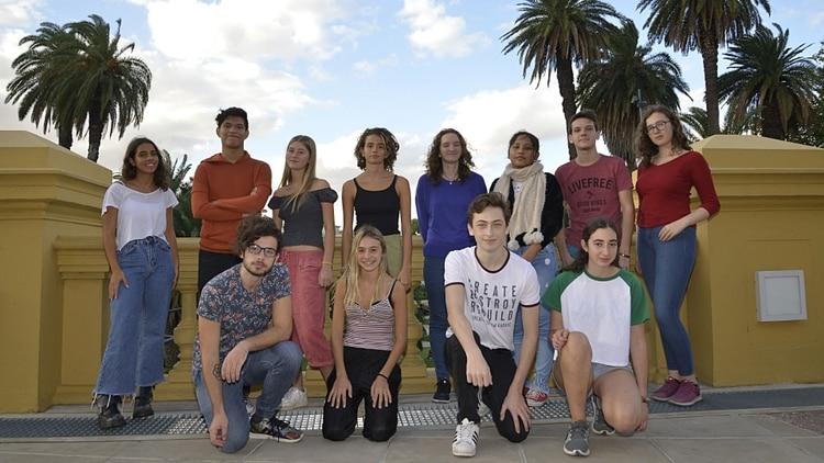 Jovenes-de-colegios-secundarios-contra-el-cambio-climatico-1