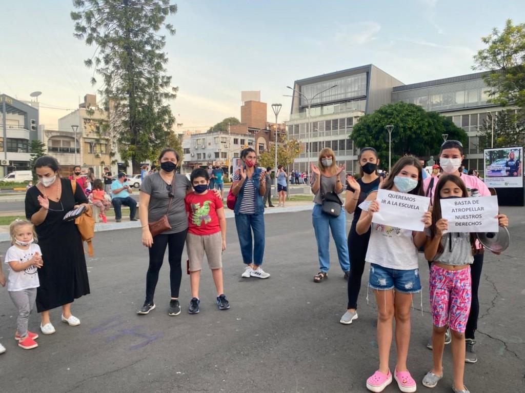 protesta_contra_virtualidad_casa_de_gobierno_2-5-2021_02